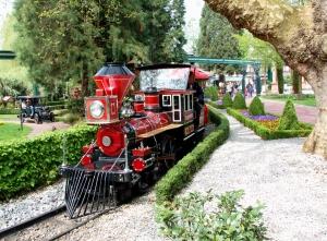 Einsteigen, bitte! Die Bimmelbahn im Europapark