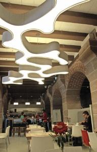Durchgestylt: Speise- und Aufenthaltsraum der Jugendherberge Kaiserstallung