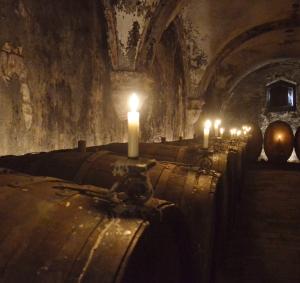 Feucht und kühl, wie der Riesling es mag: Kabinettskeller im Kloster Eberbach