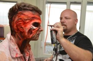 ... ein Zombie!