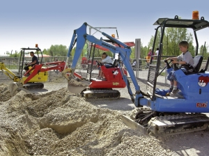 Da baggert nicht nur Bodo am Baggerloch:  Die Baggergrube im Ravensburger Spieleland. Fotos: Anselm Bußhoff