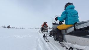 Mobilität in Norwegen: Auf Schneemobilen durch die weiße Einsamkeit ...
